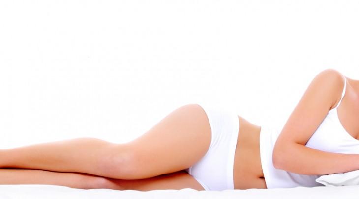 Pupínky na hýždích nejsou tabu. Pět tipů, jak se zbavit akné na zadku