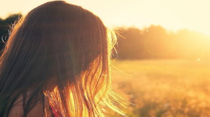 Boláčky ve vlasech: proč vznikají a co s nimi?